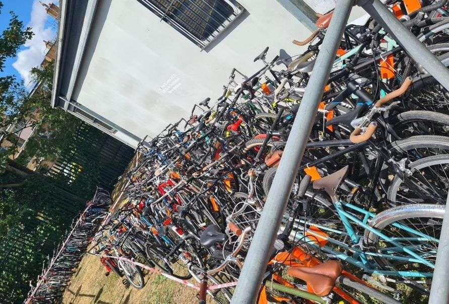 Met police suspected stolen bikes in Hackney
